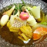ダシの風味の効いた、海鮮鍋