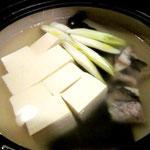 昆布ダシで湯豆腐。鱈の風味も感じて、あぁ、秋の味覚だな~
