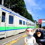 鈍行列車の旅、最高だね。