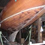 Vollholz-Unterwasserschiff mit eingeleimten Holzleisten