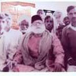 Bade Maharajsaab Syed Zahurmia Maharaj with his Murids at Faisalabad 1966