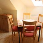 Gästehaus Kirschgarten - Ferienwohnung - Essbereich