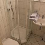 Gästehaus Kirschgarten - Ferienwohnung - Badezimmer