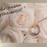 FK2: Wir haben geheiratet, weiße Rosen mit Ring