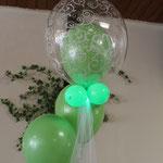 H11: Tischdekoration in grün mit Licht