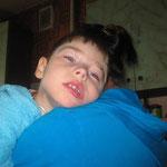 Daniel lebt mit seiner Mutter alleine. Ein Fehler bei der Geburtshilfe sorgte dafür, dass er schwer behindert ist. Die Mutter konzentriert alle Kräfte auf dieses Kind, während die Familie zerbricht, der Vater ging...