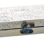 """""""appunti su scatola""""acrilico e segni a matitacm31x6"""