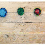"""""""recycling (colours) 2"""" tappi di barattolo di colori acrilici su assi recuperate in riva al mare cm30x120"""