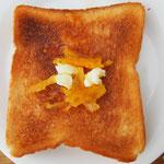 breakfast/朝ごはんに、いただいたマーマレードをおいしく食べる