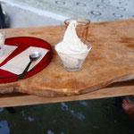 足湯とnarayaパフェ。白玉入り。贅沢。