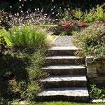 Mauerbau, Treppen und Wege