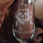 """""""Dat Antje ihr'n Glas"""" - mit Leonberger-Tribal"""