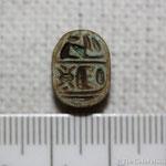 Scarabée avec le cartouche de Thoutmôsis III