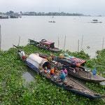 Bateaux maisons près de Chau Doc