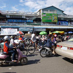 Circulation anarchique dans Phnom Penh