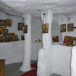 La minuscule chapelle troglodite d'Agio Pnevma