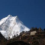 Manaslu - immer Vordergrund: Kloster Lho