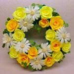 リース 黄色のバラとマーガレット