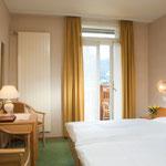 Chambre double avec douche/WC, balcon au Sud (meilleur vue aux Alpes)