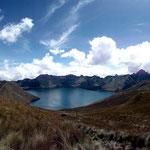 Der Blick auf die Laguna de Mojanda beim Aufstieg auf den Vulkan Fuya Fuya.