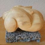 Schlafender Engel, Holz - Pappel, 2014, 10cm x 15cm x 9cm     - 350 Euro