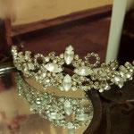 [Grain of light tiara ] 2011  material: swarovski grass,brass