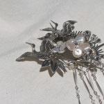 +簪職人 [ KOTOBUKI ] 2008 material; pearl, brass, grass