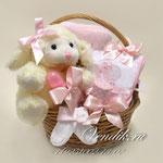 """Подарочная корзина для новорожденной девочки """"Милая Овечка"""""""