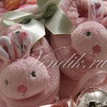 Пинетки - зайчата с погремушками.