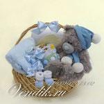 """Подарочная корзина для новорожденного малыша """"Любимый медвежонок встречает зиму! """""""