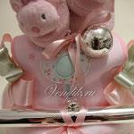 """Торт из памперсов """" Розовые сны """" (Коллекция """"Изящные подарки"""" ) VIP  подарок новорожденной девочке. Серебрянная погремушка ."""
