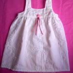 zartes Kleid aus Bändchenstoff