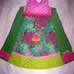 Kleid im Farbenrausch