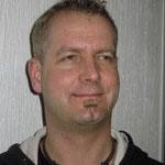 Thilo Theiß gehörte zum Team Bühnenbau von 2013 - 2015 und spielte als ermittelnder Sägewersbesitzer, sowie als Bote Gottes (getarnt als Hausmeister) von 2013 - 2014.