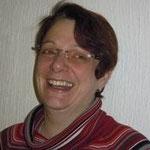 Andrea Gerling seit 2013 Darstellerin und helfendes Händchen der Spielleitung. Ihr Theaterstart begann als Weib vom Land,  wurde zur herrischen Ehefrau, stieg zur Adeligen mit Klasse auf und landete dann als Tochter eines Gauners auf der Bühne.
