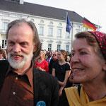 Werner Hierse und Monika Schmied-Plantikow von Kultur für alle Nürtingen beim Bürgerfest des Bundespräsidenten 2013, Foto: Manuel Werner, Nürtingen, alle Rechte vorbehalten!