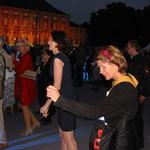 Tanzende und Schloss Bellevue im Farbenrauch beim Bürgerfest des Bundespräsidenten 2013, Foto: Manuel Werner, Nürtingen, alle Rechte vorbehalten!