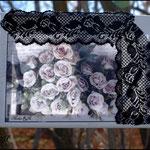 Lívidas (Fotografía transferida a lienzo y decorada con puntilla bordada negra)