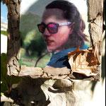 Fotografía transferida a lienzo (20x20), zonas coloreadas con acuarelas y marco de corteza y hoja seca de Platanus hispanica NO DISPONIBLE