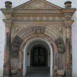 Judith-Lukretia-Portal am Rathaus