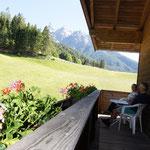 Balkon mit wunderschönem Ausblick im Appartement Riedhof