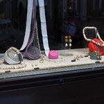 schaufenster ecke, perlen