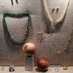 Perlen, Smaragd und Tsavorit