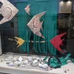 Schaufenster Hauptstraße, Amazonit, Glas, Metall
