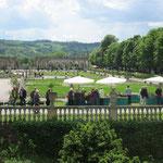 Blick auf Schlosspark mit Orangerie