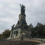 Niederwalddenkmal: Statue der Germania zur Erinnerung an den Sieg 1871