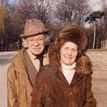 Steffi und Josef Kaderka bei einem Spaziergang
