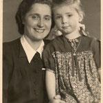 Hedy mit ihrer Mutter Steffi