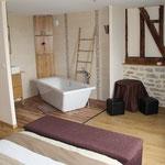 chambre 1 et salle de bain