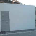 Enlèvement de graffitis sur mur en crépis - Après
